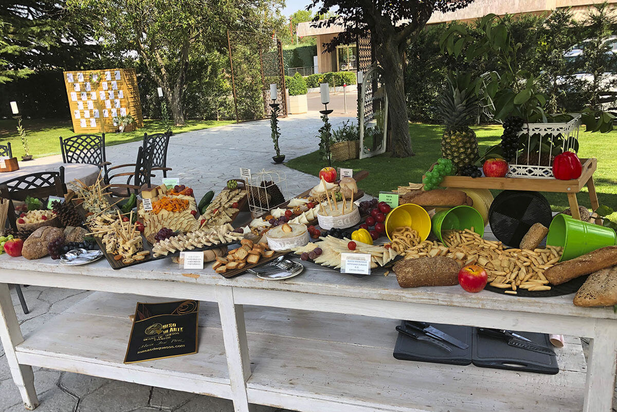 En Jardín Regio te ofrecemos buffets especiales para vuestra boda al aire libre en Salamanca.